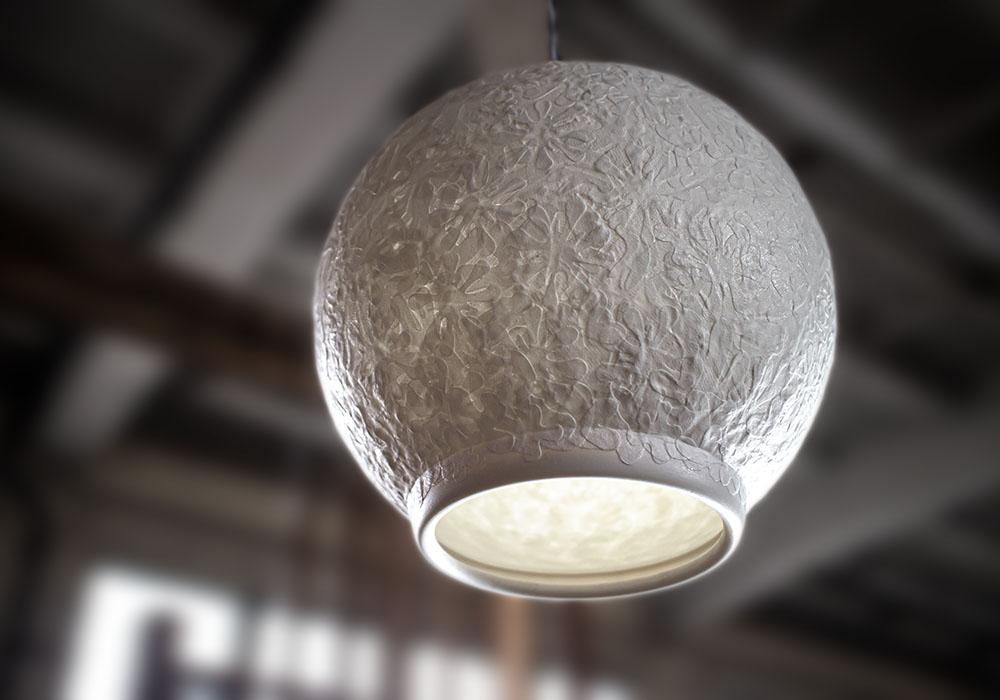 lampe en porcelaine fabriquée a la main